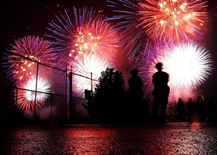 July 4th Fireworks Greeting Card featuring the photograph Fireworks by Nishanth Gopinathan