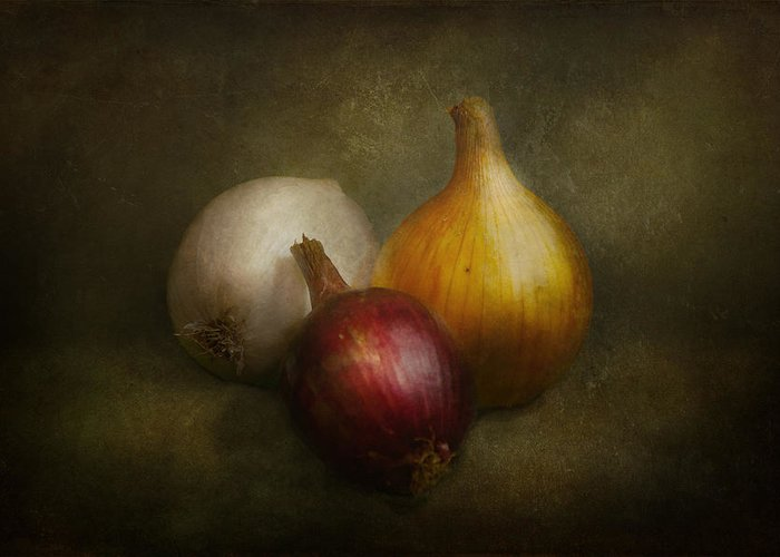 Chef Greeting Card featuring the photograph Food - Onions - Onions by Mike Savad