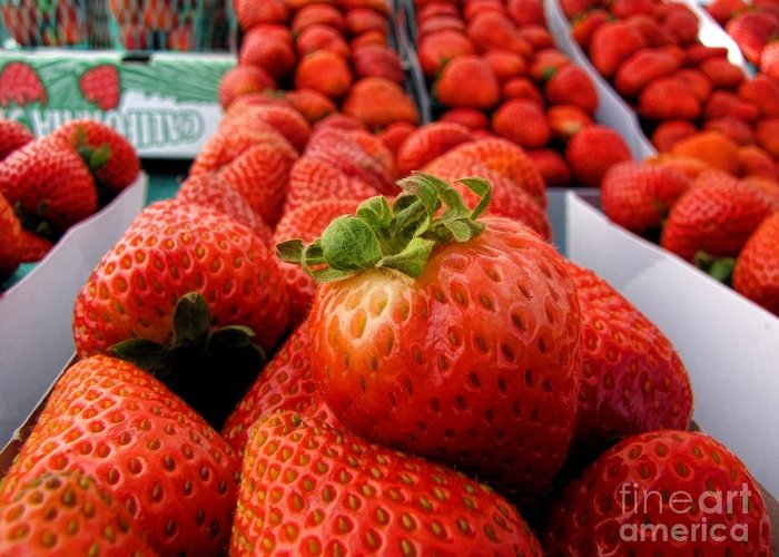 Fruit Greeting Card featuring the photograph Fresh Strawberries by Peggy Hughes