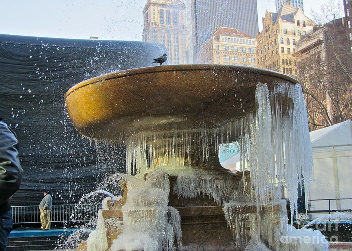 Color Greeting Card featuring the photograph Frozen Fountain by Maritza Melendez