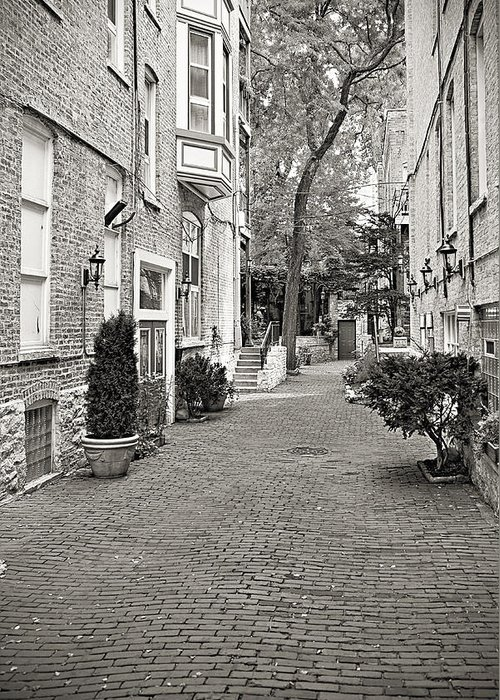 Chicago Greeting Card featuring the photograph Gaslight Court Chicago Old Town by Christine Till