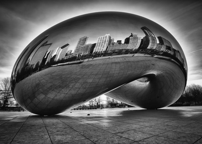 Chicago Cloud Gate Greeting Card featuring the photograph Glowing Bean by Sebastian Musial