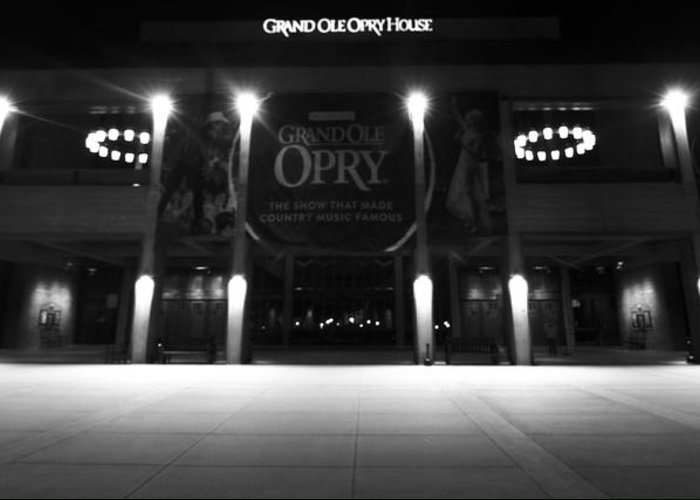 Grand Ole Opry House Greeting Card featuring the photograph Grand Ole Opry At Night by Dan Sproul