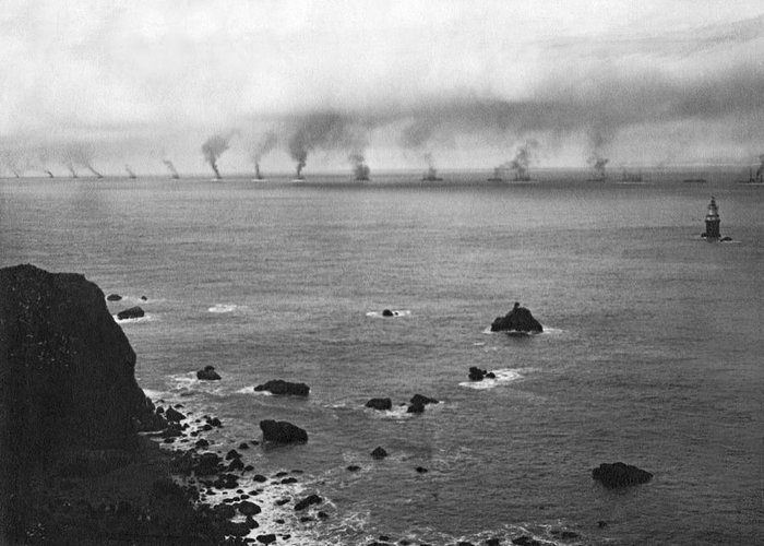16 Battleships Greeting Card featuring the photograph Great White Fleet Visits Sf by Underwood Archives