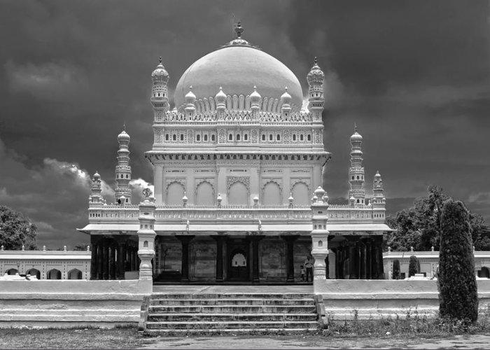 Gumbaz Greeting Card featuring the photograph Gumbaz - Tipu's Mausoleum by Saurav Pandey