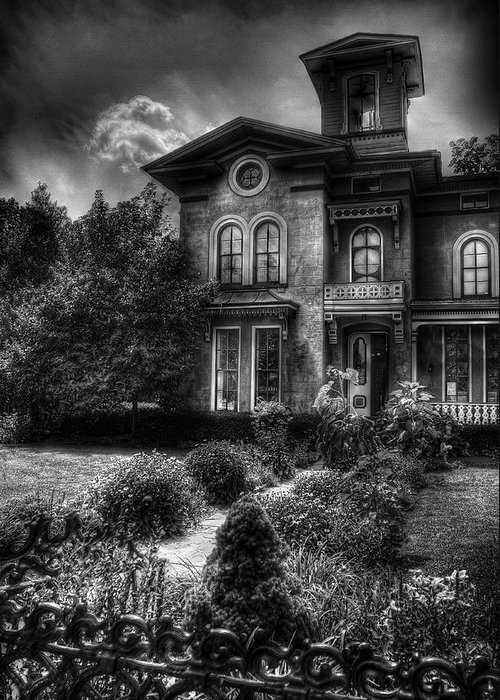 Hdr Greeting Card featuring the photograph Haunted - Haunted House by Mike Savad