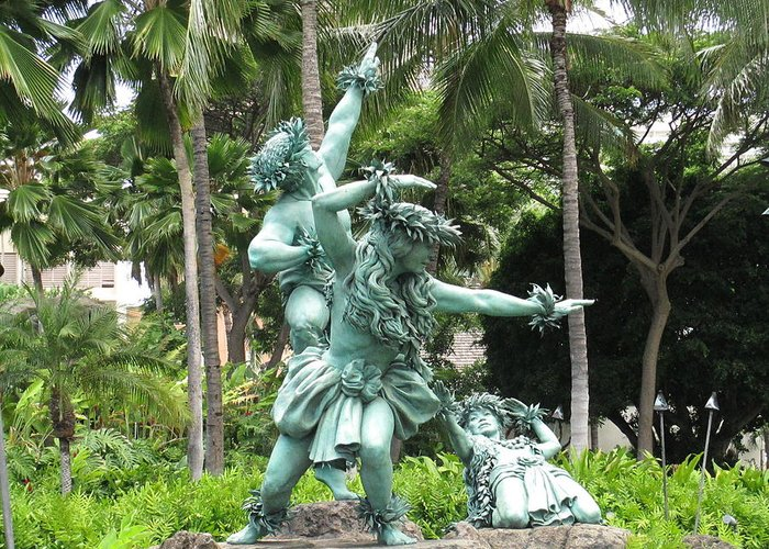 Elaine Haakenson Greeting Card featuring the photograph Hawaiian Dancers Statues by Elaine Haakenson