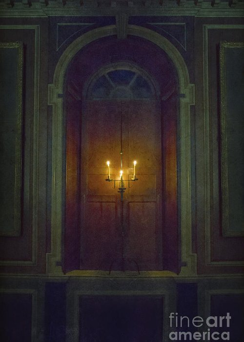Wood Greeting Card featuring the photograph In The Great Hall by Margie Hurwich