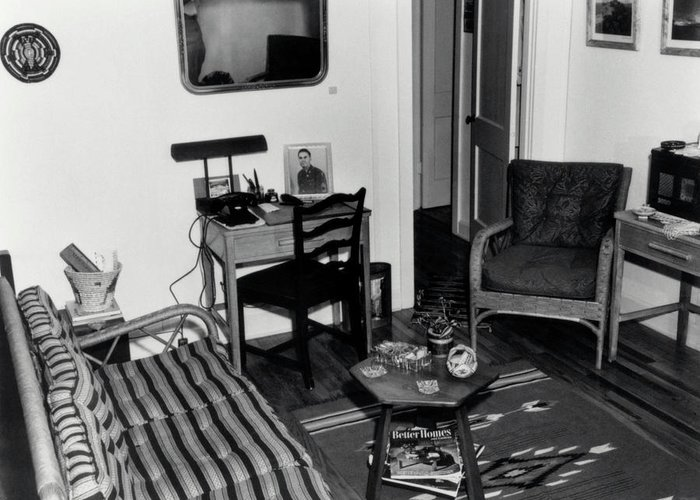 Los Alamos Greeting Card featuring the photograph Interior Of Typical House by Los Alamos National Laboratory/science Photo Library