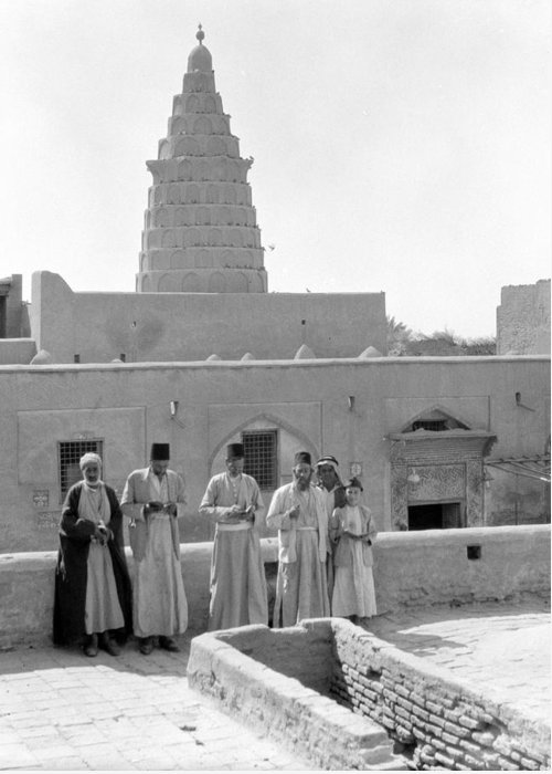 1932 Greeting Card featuring the photograph Iraq Ezekiel's Tomb by Granger