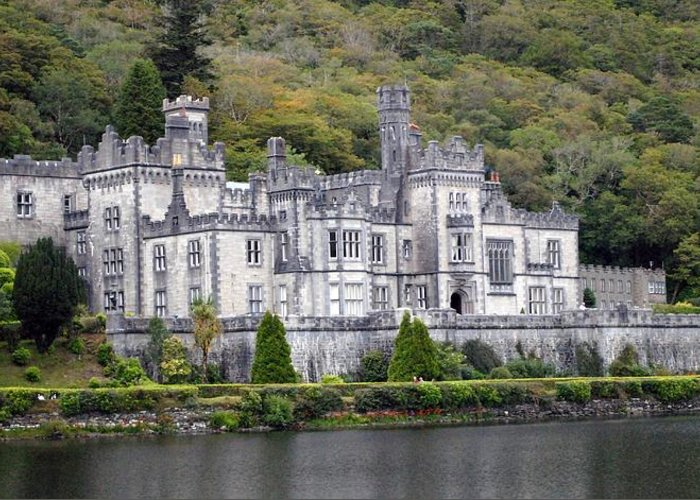 Kylemore Abbey Greeting Card featuring the photograph Klyemore Abbey by Jon Emmons