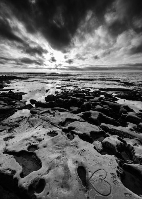 Ocean Greeting Card featuring the photograph Love On The Rocks Bw by William Murphy