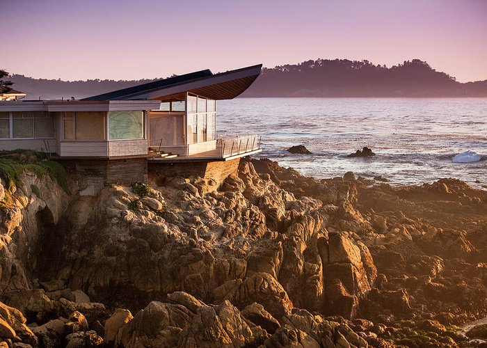 Water's Edge Greeting Card featuring the photograph Luxury Home Overlooks The Big Sur by Pgiam