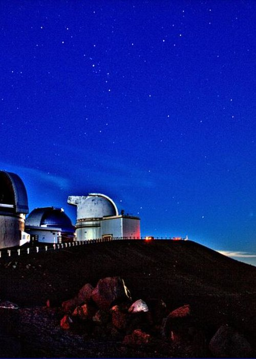 Hawaii Greeting Card featuring the photograph Mauna Kea At Moon Rise by Bob Kinnison