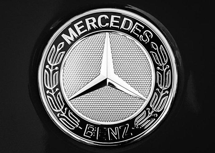 Mercedes-benz 6.3 Gullwing Emblem Greeting Card featuring the photograph Mercedes-benz 6.3 Gullwing Emblem by Jill Reger