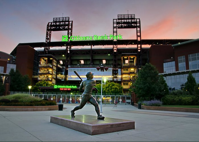 Mike Greeting Card featuring the photograph Mike Schmidt Statue At Dawn by Bill Cannon