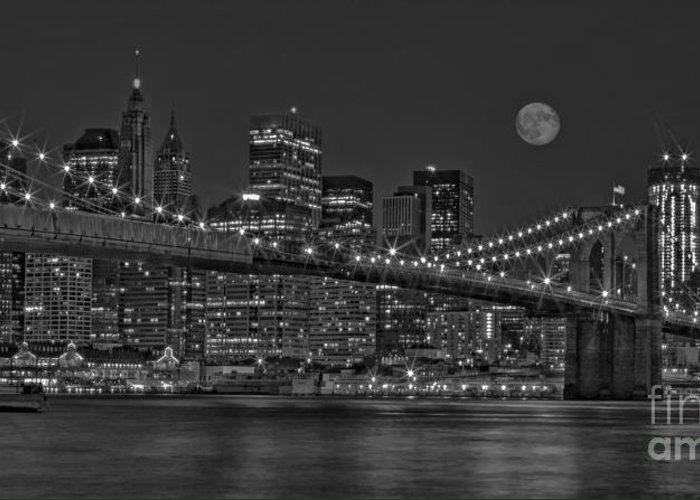 Brooklyn Bridge Greeting Card featuring the photograph Moonrise Over The Brooklyn Bridge Bw by Susan Candelario