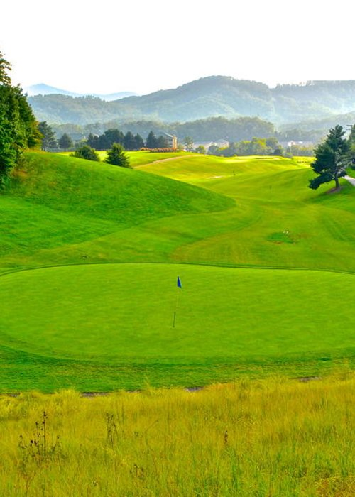 Golf Greeting Card featuring the photograph Mountain Golf by Frozen in Time Fine Art Photography