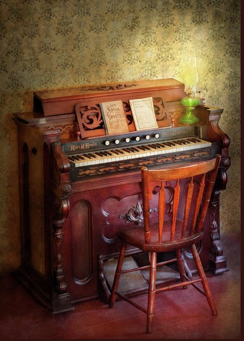 Quaint Greeting Card featuring the photograph Music - Organist - Playing The Songs Of The Gospel by Mike Savad
