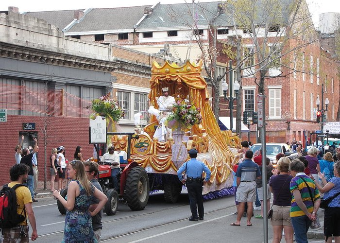 New Greeting Card featuring the photograph New Orleans - Mardi Gras Parades - 121259 by DC Photographer