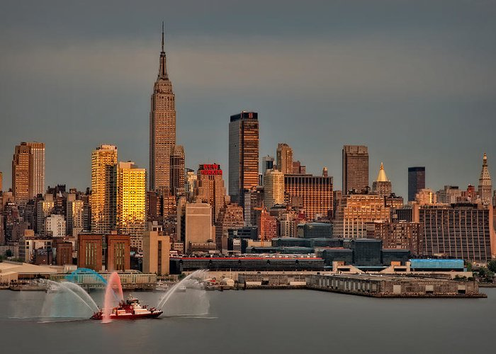 Nyc Greeting Card featuring the photograph New York City Sundown On The 4th by Susan Candelario