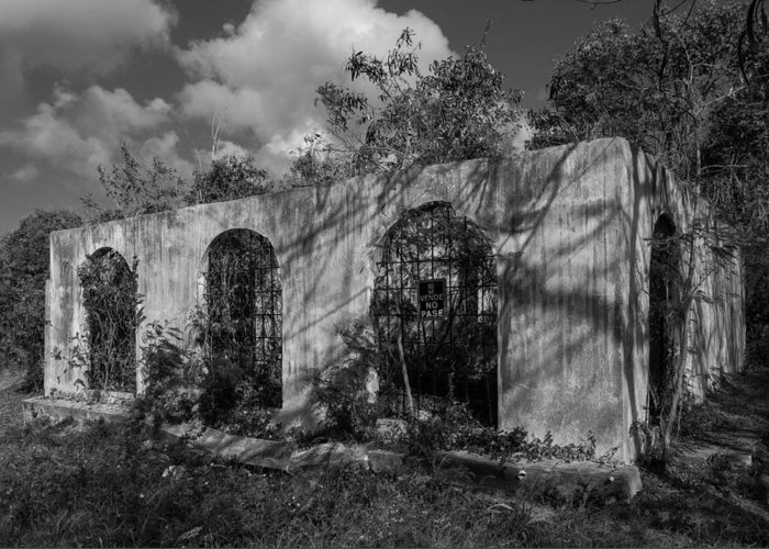 Decay Greeting Card featuring the photograph No Se Vende by Carl Engman