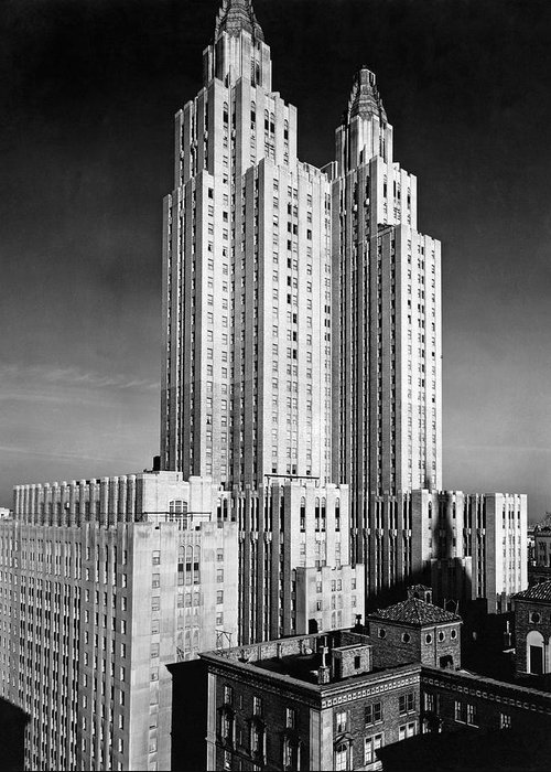 1931 Greeting Card featuring the photograph Nyc Waldorf-astoria Hotel by Underwood & Underwood