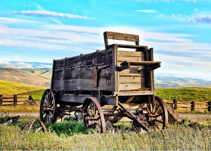 Covered Wagon Greeting Card featuring the photograph Old Covered Wagon by Athena Mckinzie