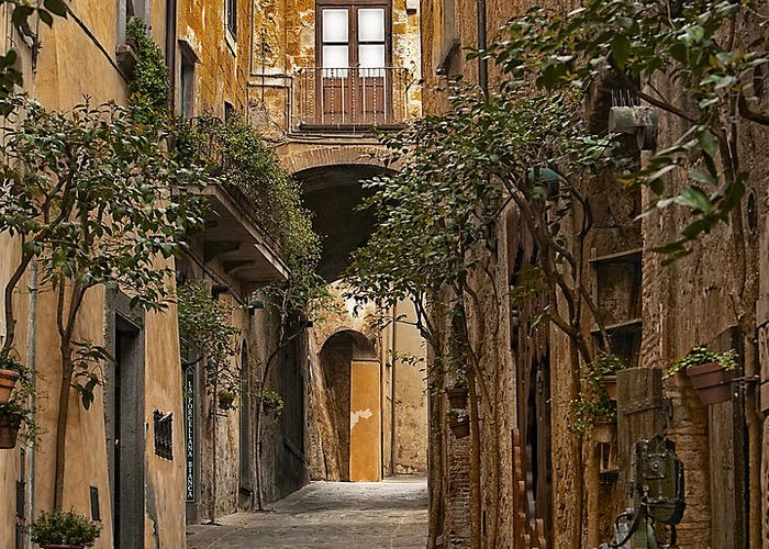 Orvieto Greeting Card featuring the photograph Orvieto Side Street by Lynn Andrews