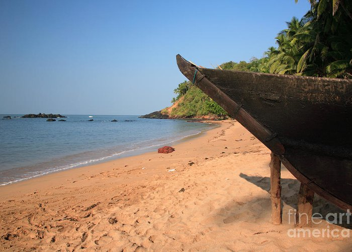 Arabian Sea Greeting Card featuring the photograph Outrigger On Cola Beach by Deborah Benbrook
