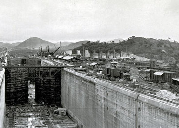 Technology Greeting Card featuring the photograph Panama Canal Construction 1910 by Photo Researchers