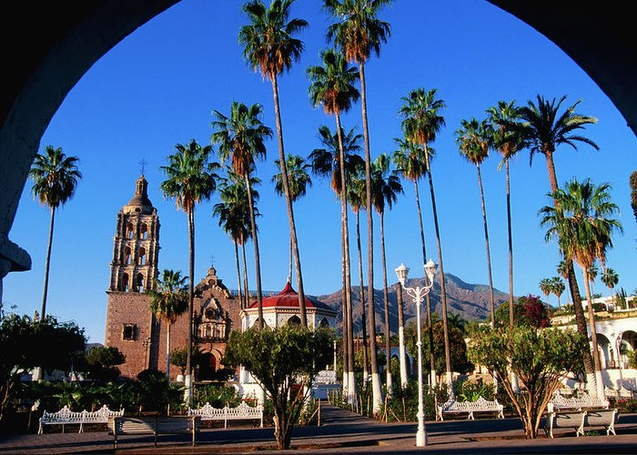 Arch Greeting Card featuring the photograph Plaza De Armas by John Elk