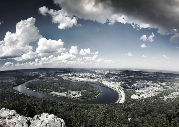 Moccasin Bend Greeting Card featuring the photograph Point Park Overlook 2 by Steven Llorca