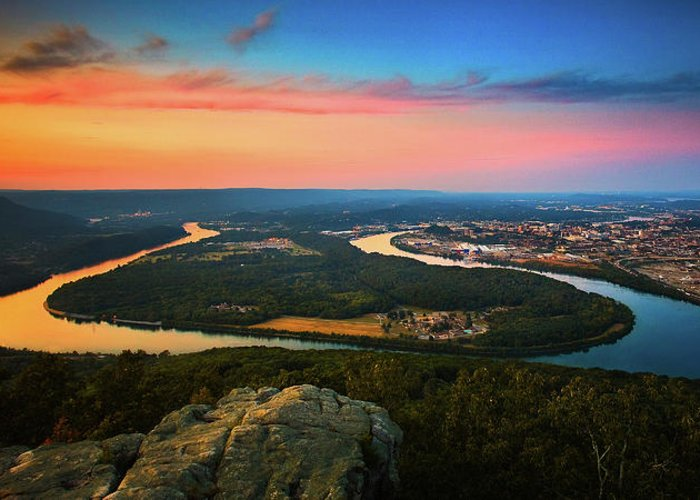 Moccasin Bend Greeting Card featuring the photograph Point Park Overlook by Steven Llorca