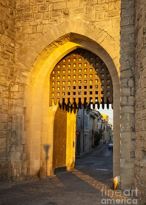 Aigues-mortes Greeting Card featuring the photograph Portcullis Aigues-mortes Languedoc-roussillon France by Colin and Linda McKie