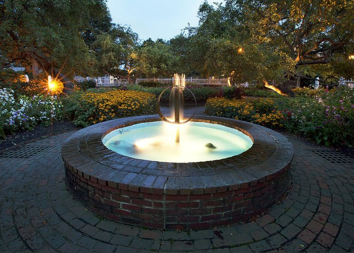 Prescott Fountain Greeting Card featuring the photograph Prescott Fountain by Eric Gendron