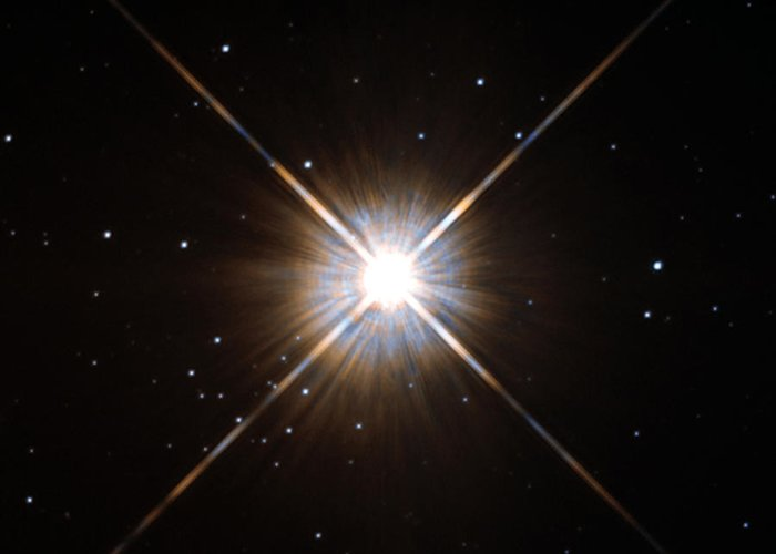 Proxima Centauri Greeting Card featuring the photograph Proxima Centauri by Science Source