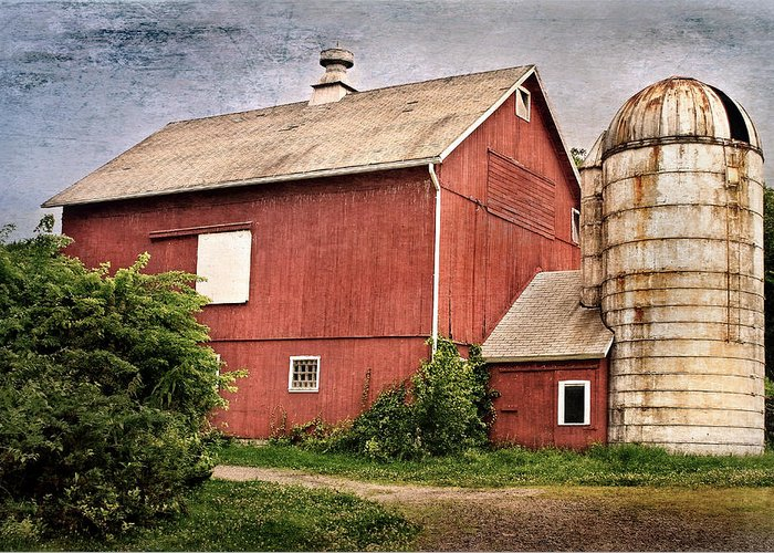 Red Barn Greeting Card featuring the photograph Rustic Barn by Bill Wakeley
