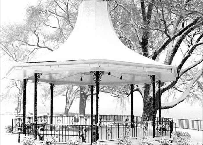 Kentucky Greeting Card featuring the photograph Smothers Park Gazebo by Wendell Thompson