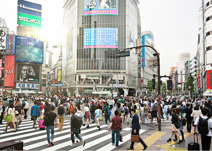 Crowd Greeting Card featuring the photograph Sunny Day In Shibuya by Xavierarnau