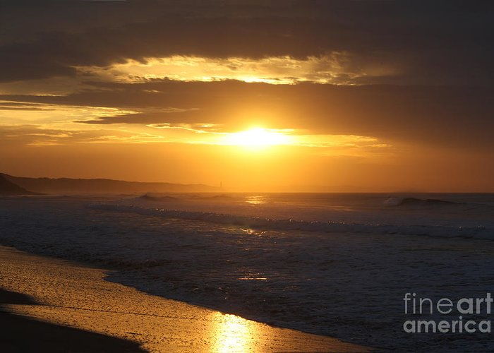 Beach Greeting Card featuring the photograph Sunrise Over Point Lonsdale by Linda Lees