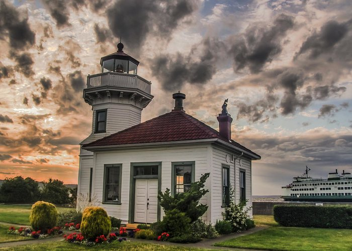Washington Greeting Card featuring the photograph Sunset Mukilteo Lighthouse by Puget Exposure