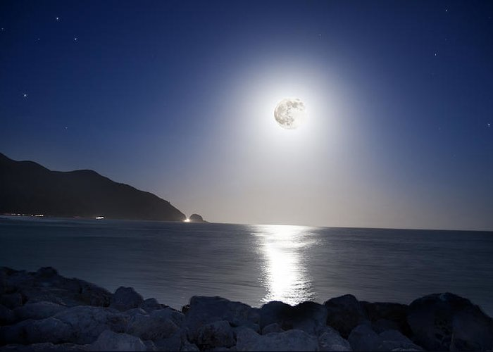 Super Moon Greeting Card featuring the photograph Super Moon by Thomas Kessler