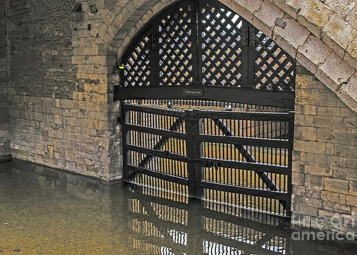 Travel Greeting Card featuring the photograph Traitor's Gate by Elvis Vaughn