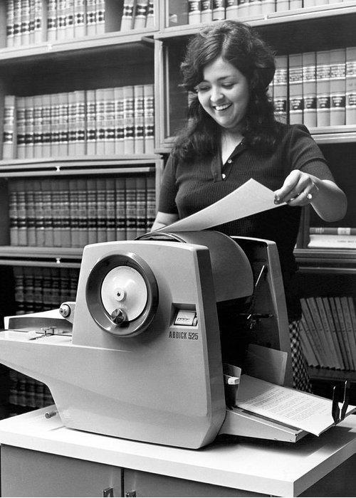 using-a-mimeograph-machine-underwood-archives.jpg