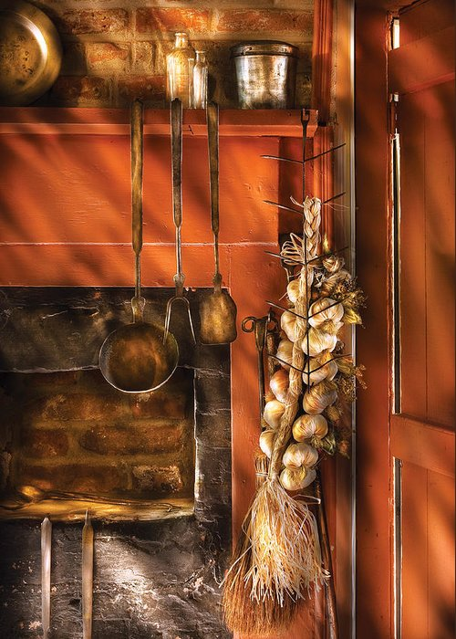 Kitchen Greeting Card featuring the photograph Utensils - Garlic And Spoons by Mike Savad
