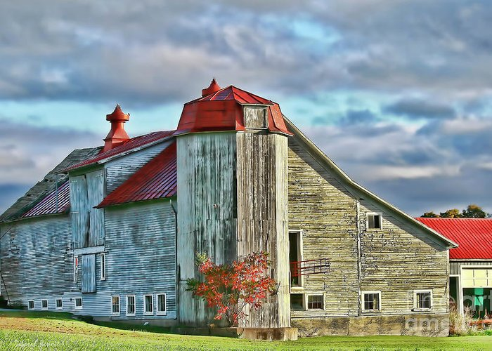 Barn Greeting Card featuring the photograph Vermont Rustic Beauty by Deborah Benoit