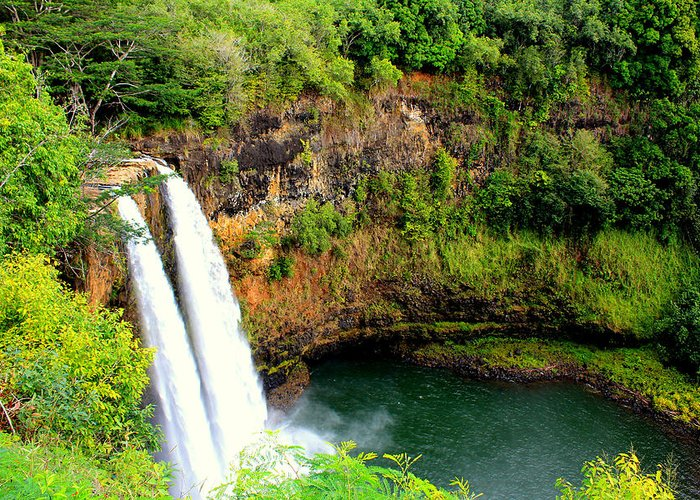 Nature Greeting Card featuring the photograph Wailua Falls by Sherry Hudson