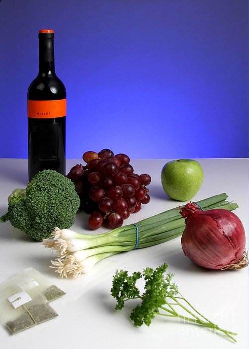 Anticancer Compound Greeting Card featuring the photograph Foods Rich In Quercetin by Photo Researchers, Inc.