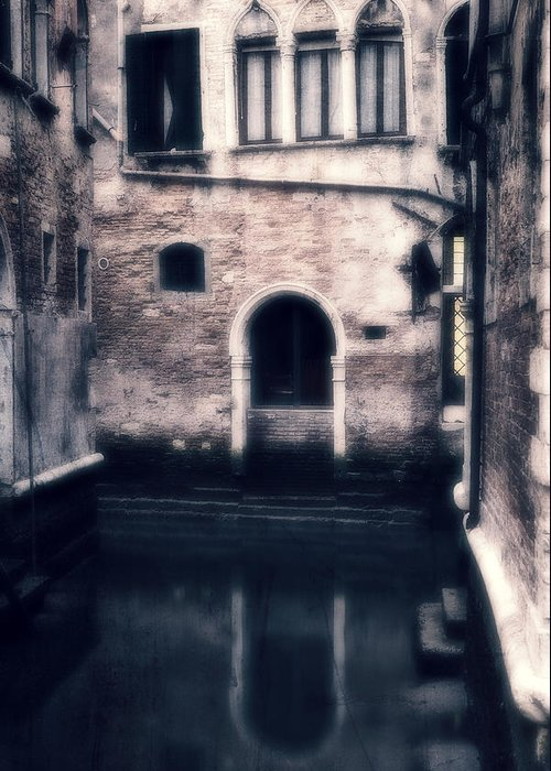 Gate Greeting Card featuring the photograph Venezia by Joana Kruse